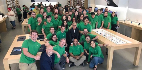 apple-store-earth-day-2017-800x600-600x294