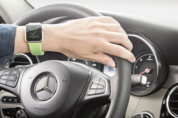 mercedes-benz-apple-watch-1